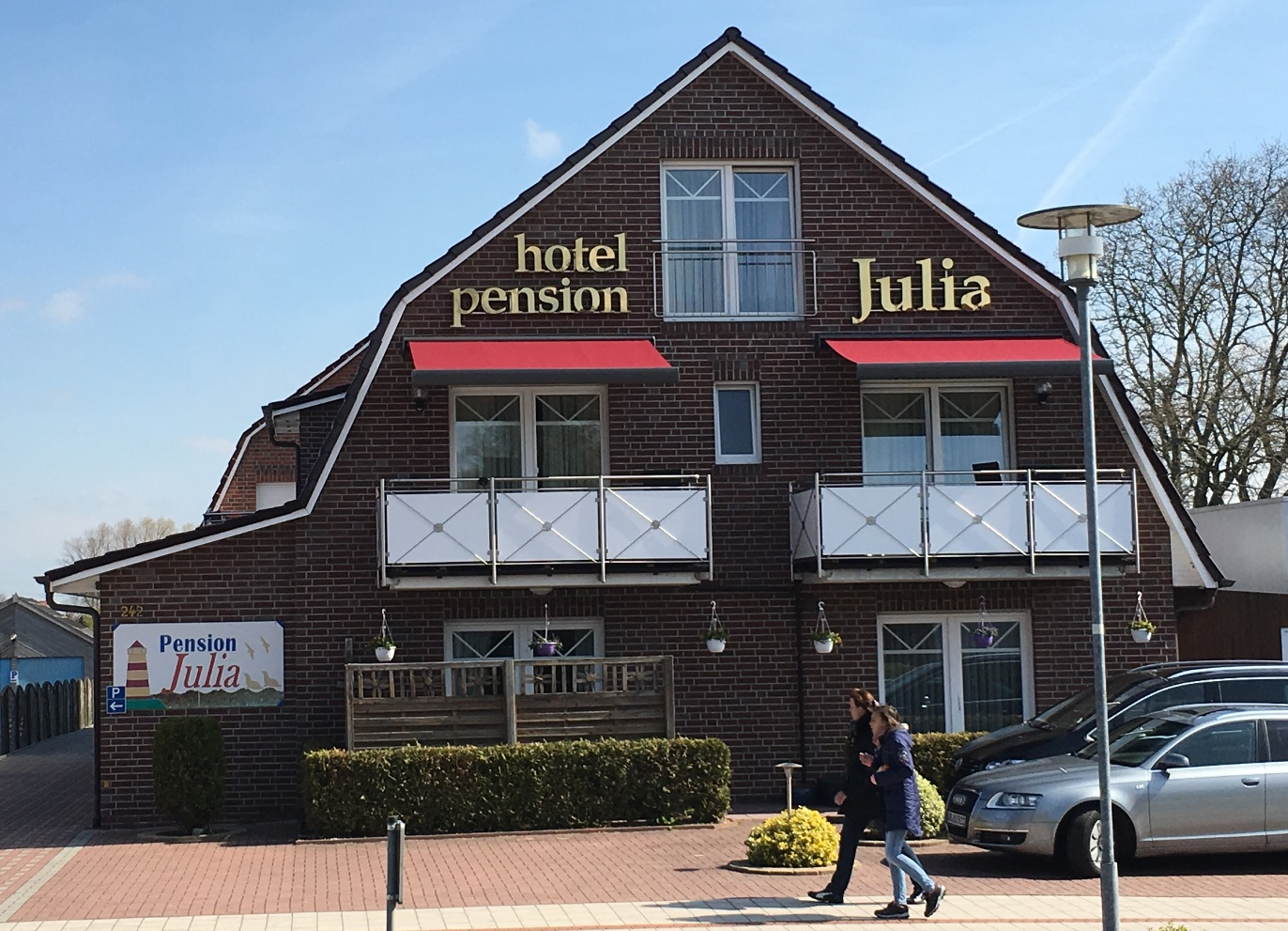 hotel pension julia in nordseeheilbad norddeich. Black Bedroom Furniture Sets. Home Design Ideas